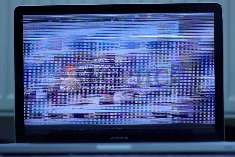 Ноутбук включается, но изображение мерцает
