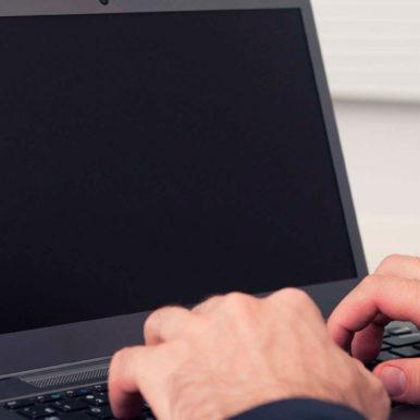 Не включается ноутбук – черный экран